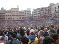 Crowds gather in Siena town square